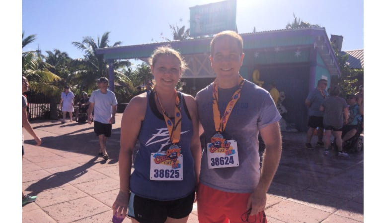 two runners in the castaway cay 5k