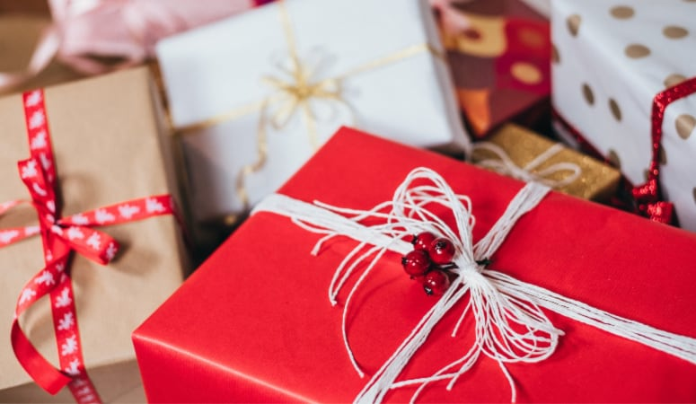 Christmas Gifts for Aunts and Uncles: 40 Great Gift Ideas